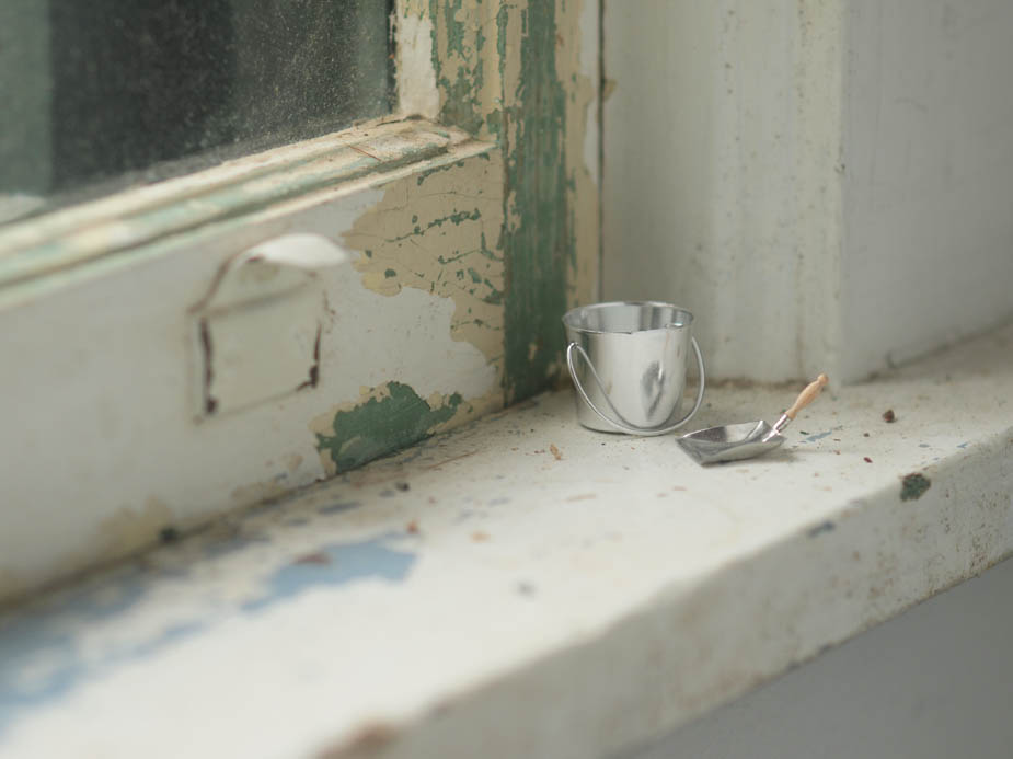 anne-mourier, cleaning-it-up, photography, mixed-media, sculpture, collage, miniatures, invisible-dog-art-center, glass-house, domesticity