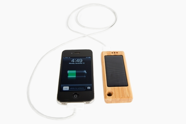 bamboo-solar-charger, photojojo, wish-list, gifts-for-photographers