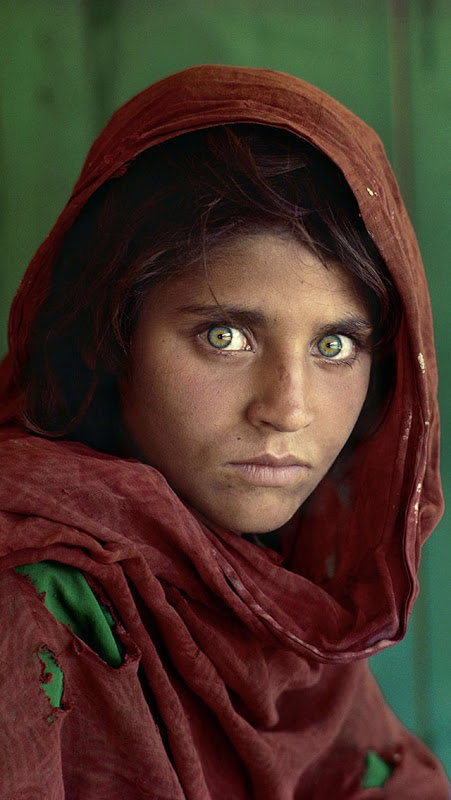 28. National Geographic – Search for the Afghan Girl