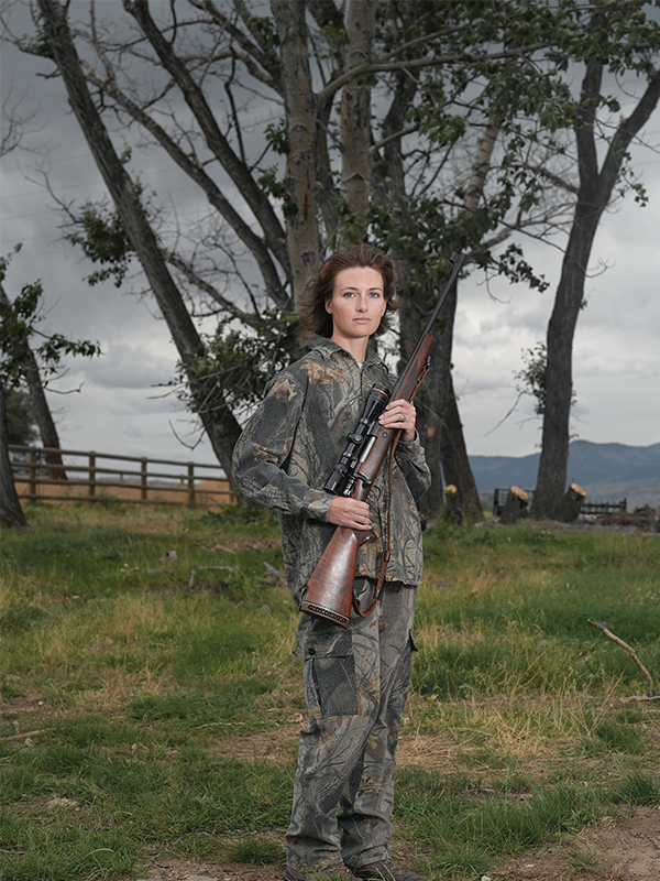 chicks-with-guns, photography, arts, guns, lindsay-mccrum