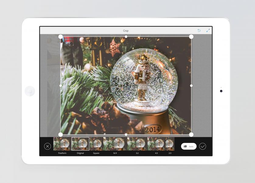 1-iPad-AutoCrop
