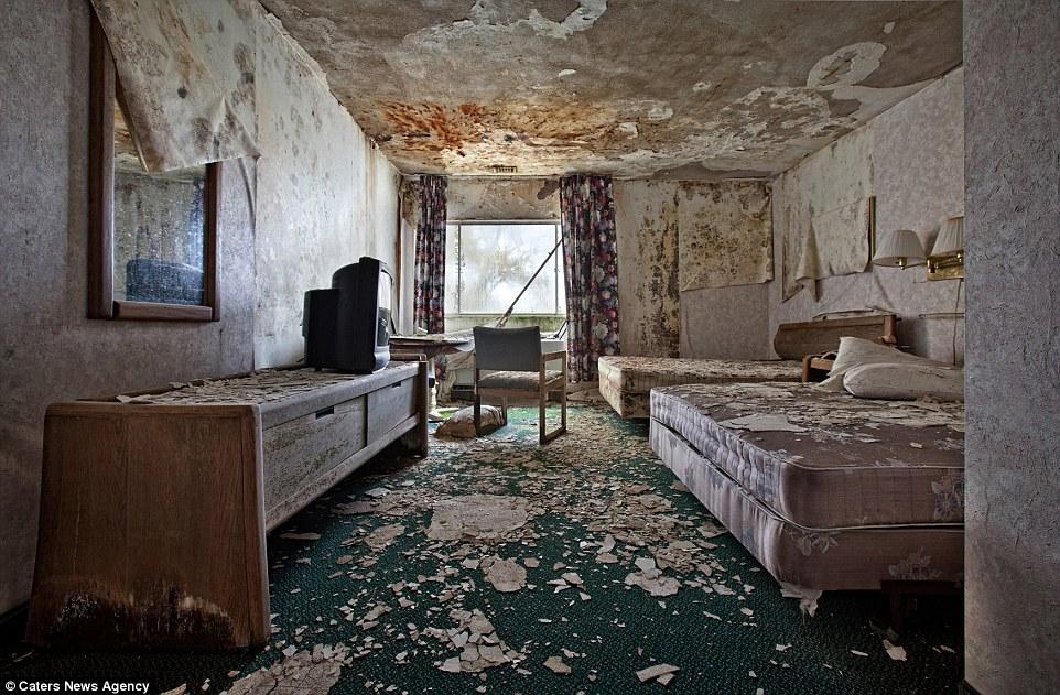 Photographer Documents Unsettling Abandoned Establishments