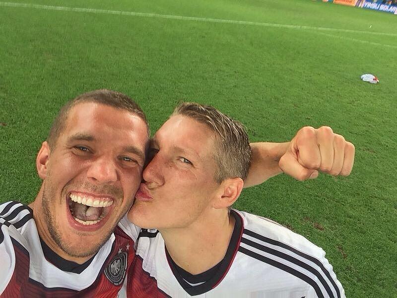 World-Cup-Win-Selfie