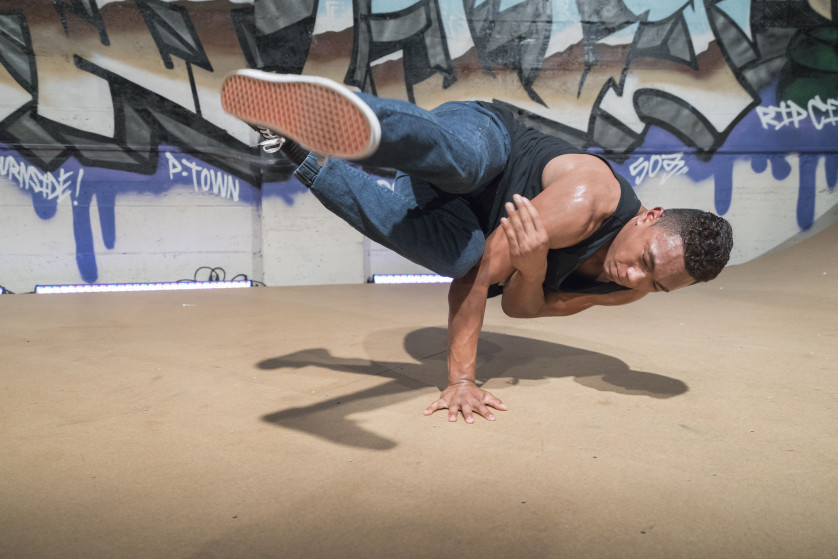 Sony a7R II- Breakdancer