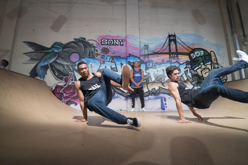 Sony a7R II- Breakdancers