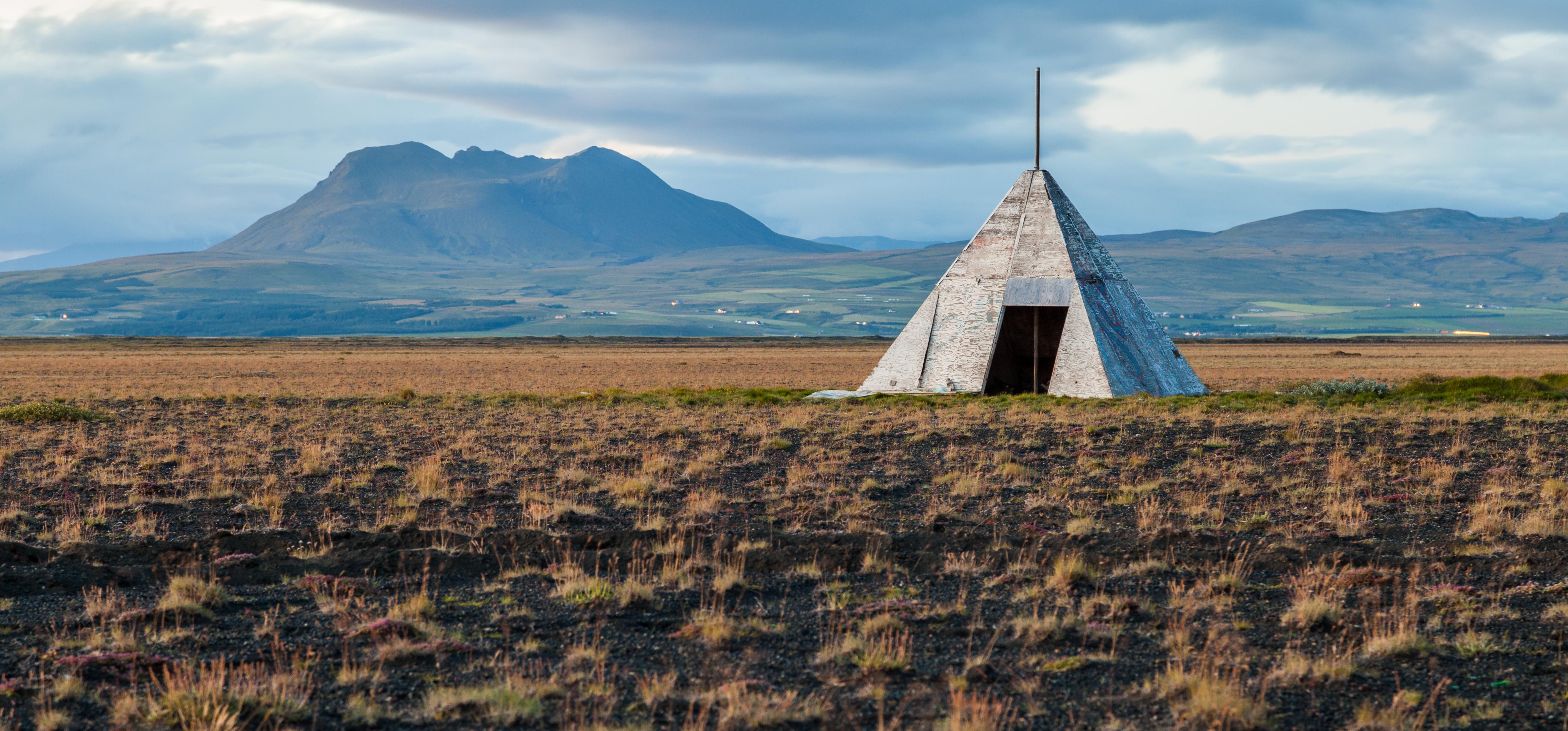 Caseta_cerca_de_Hvolsvöllur,_Suðurland,_Islandia,_2014-08-16,_DD_213