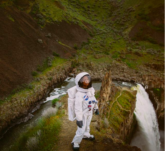 astronaut, mountains, green
