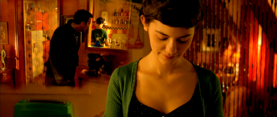 amelie, red room, green shirt