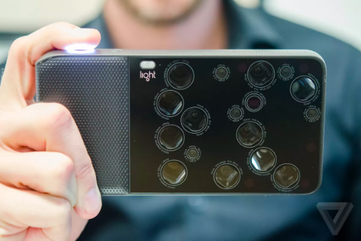 This the New Pocket-Sized Camera that could change the way you travel