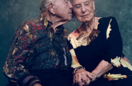 old man, old woman, couple, kiss