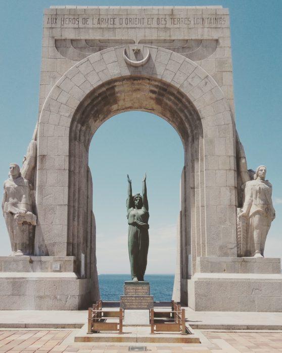 woman, statue, confident